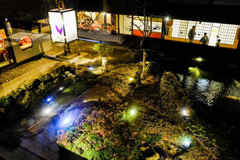 旅館の夜景